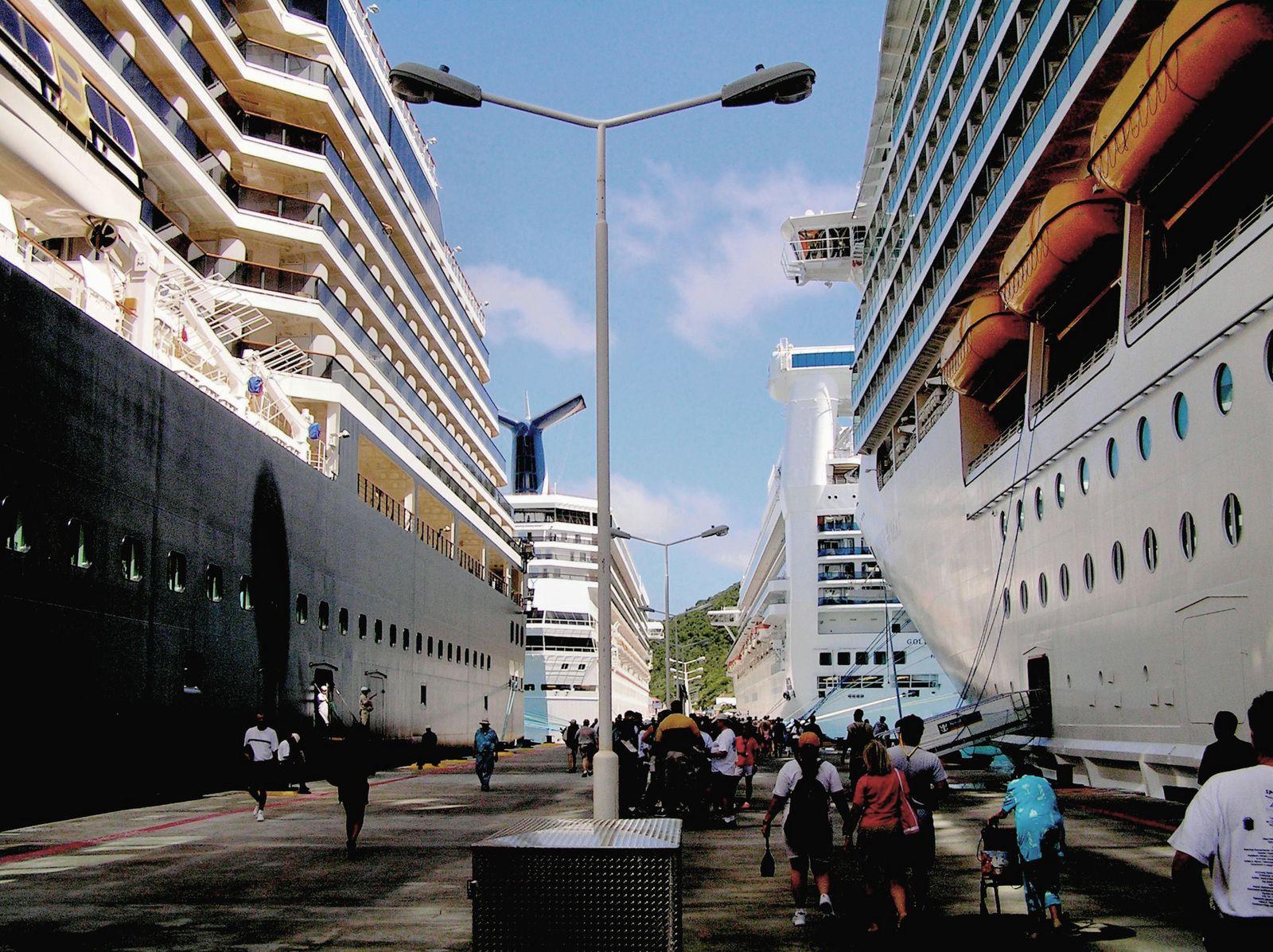 Cruise ships, Dock Maarten, St Maarten Island