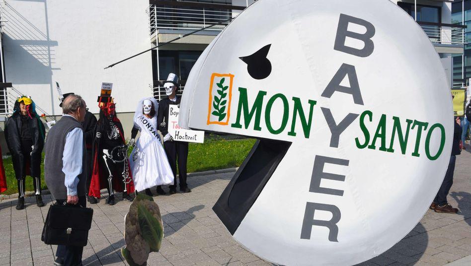 Proteste bei Bayer-Hauptversammlung