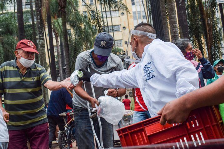 Viele Community-Initiativen verteilten in Kolumbien Lebensmittel – von den öffentlichen Hilfen kommt oft nur ein Bruchteil bei den Hilfsbedürftigen an