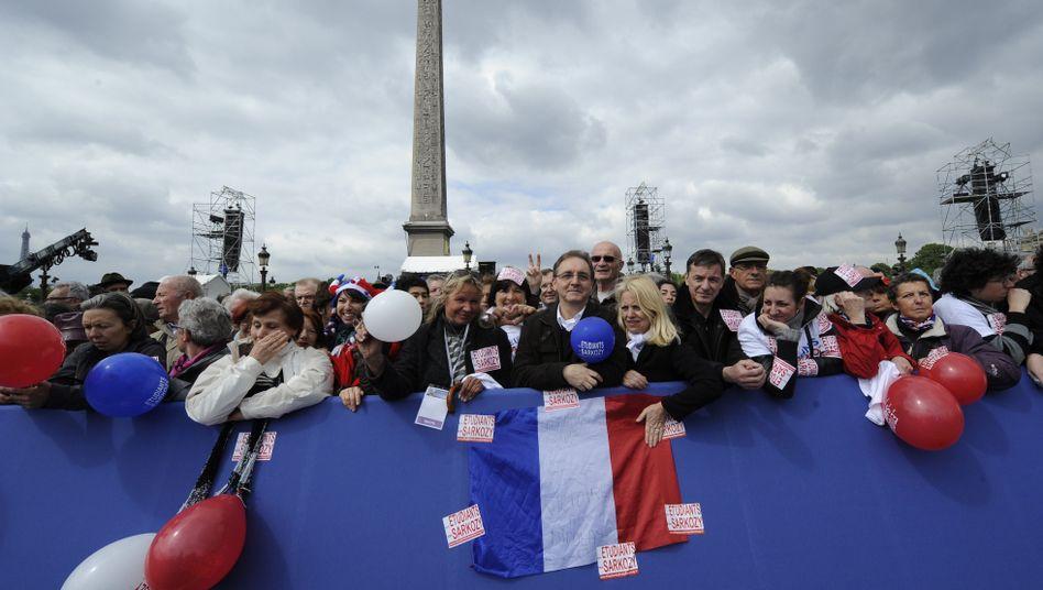 Sarkozy-Anhänger an der Place de la Concorde: Warten auf den Präsidenten