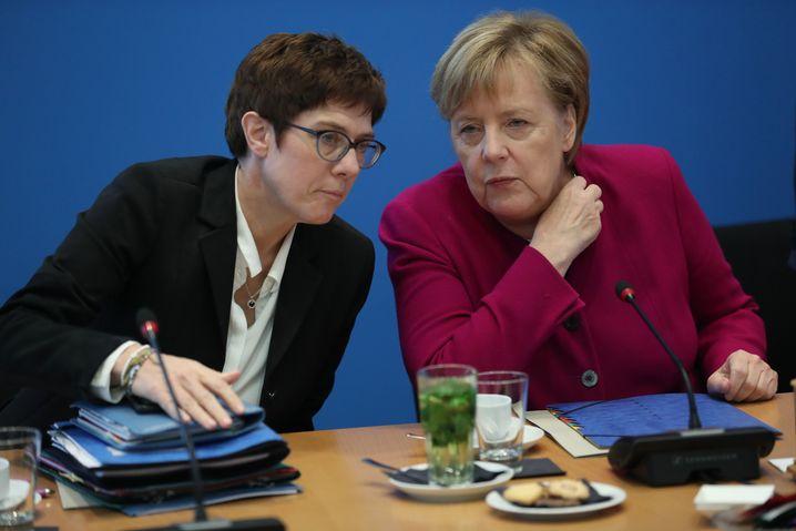 Kramp-Karrenbauer, Merkel