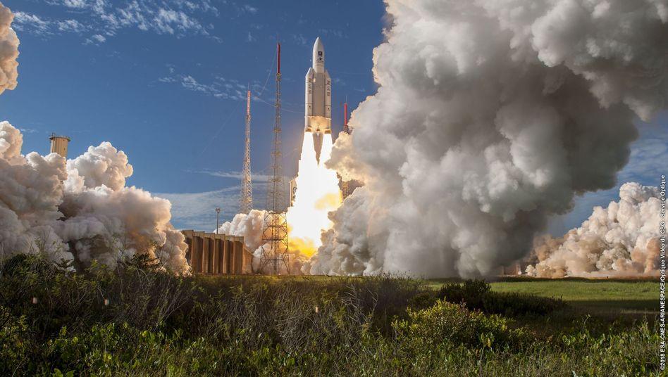 """Ariane 5""-Rakete beim Start"