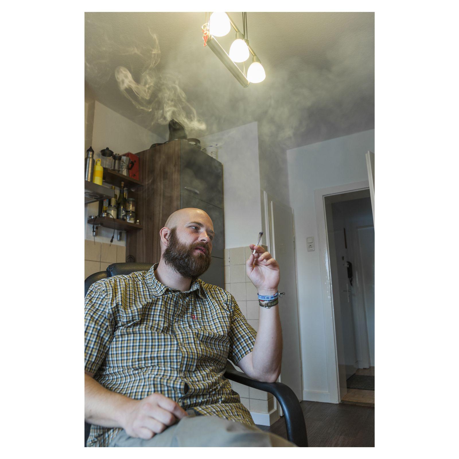EINMALIGE VERWENDUNG SPIEGEL Plus SPIEGEL 36/2017 S.40 Gesundheit / Cannabis