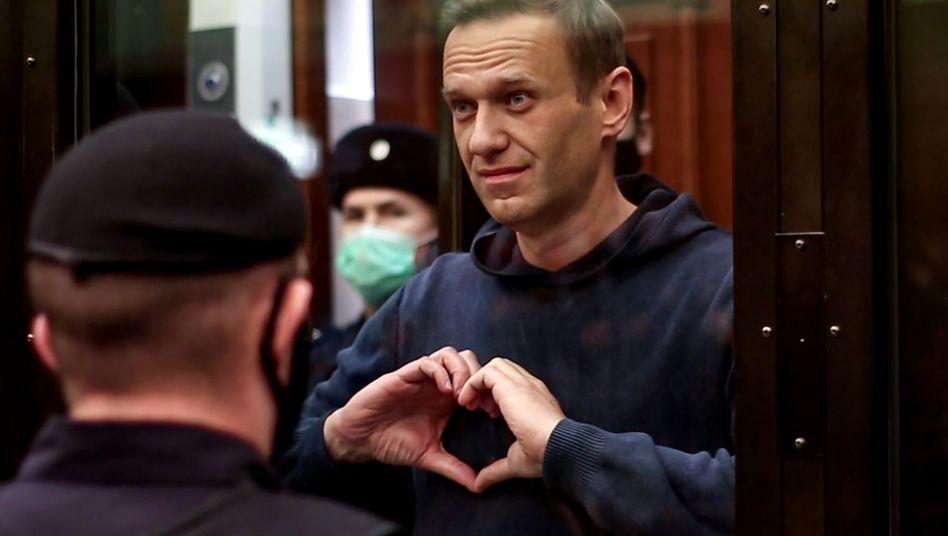 Kreml-Kritiker Nawalny bei einer Gerichtsverhandlung in Moskau