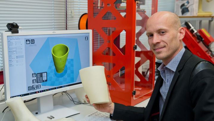 Prothese aus dem 3D-Drucker: Hilfe aus Plastikbechern