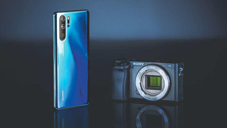 Konkurrenten: Smartphone und Kamera