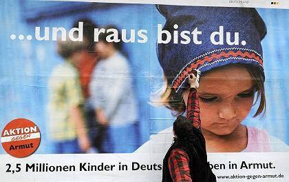 Plakat gegen Kinderarmut: Kluge werden nicht automatisch reich