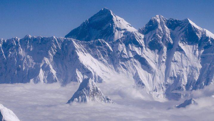 Unglück am Mount Everest: Tauziehen um die Gipfelsaison