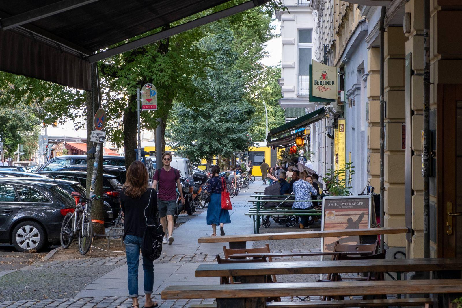 Restaurants und Bars entlang der Stargarder Strasse in Berlin-Prenzlauer Berg. Der Berliner Senat plant Änderungen zu de