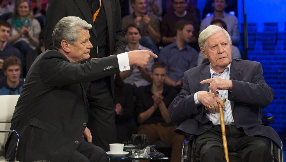 Talkgäste Gauck, Schmidt: Europa? Das wird schon