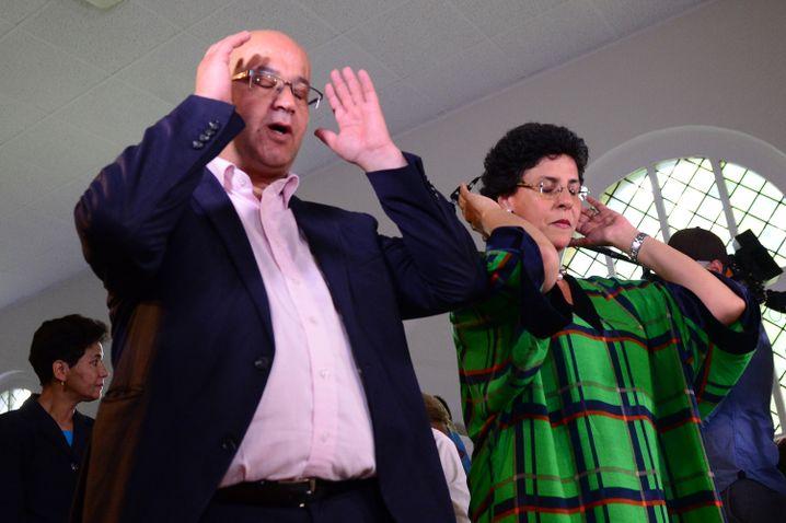 Abdel-Hakim Ourghi und Elham Manea leiten das Gebet