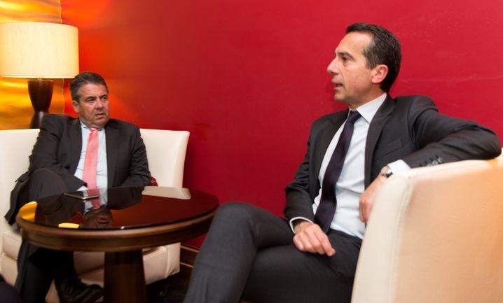 Außenminister Gabriel und Österreichs Kanzler Christian Kern Anfang Juni 2017 in Sankt Petersburg