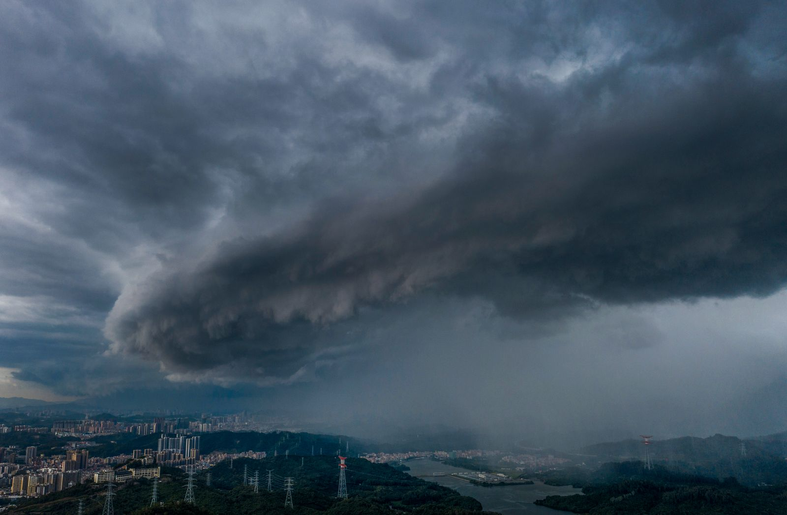 Typhoon Higos Approaches Guangdong