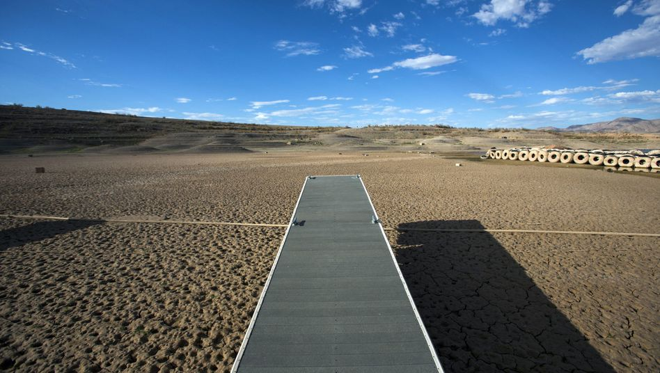 A reservoir in Nevada that has dried up as a result of the severe drought in the Soutwest.