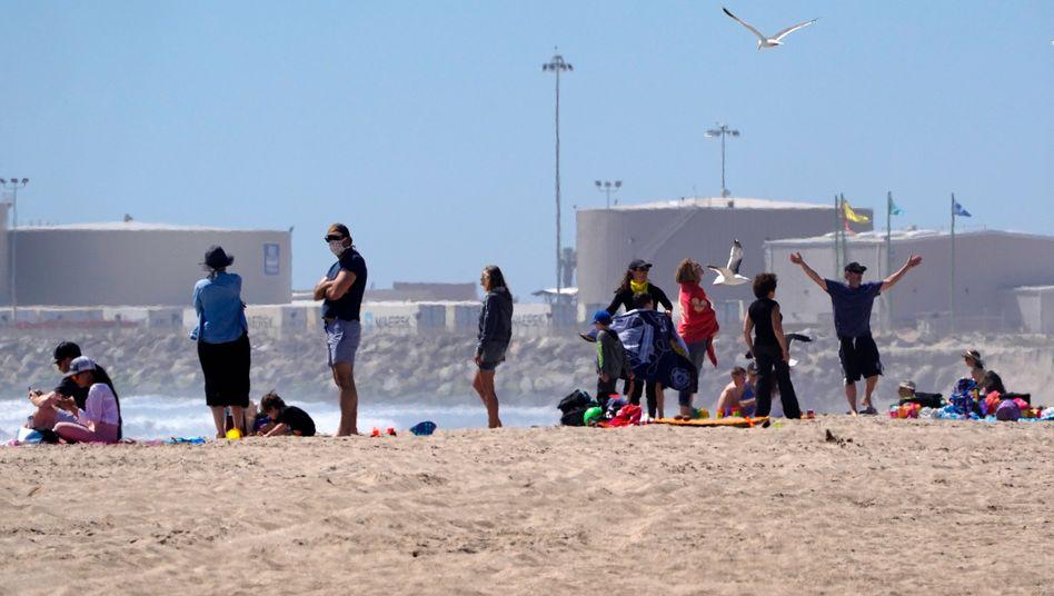 """Szene aus Ventura County: Das Virus """"geht nicht nach Hause zurück, weil an unseren Küsten ein sonniger Tag ist"""""""
