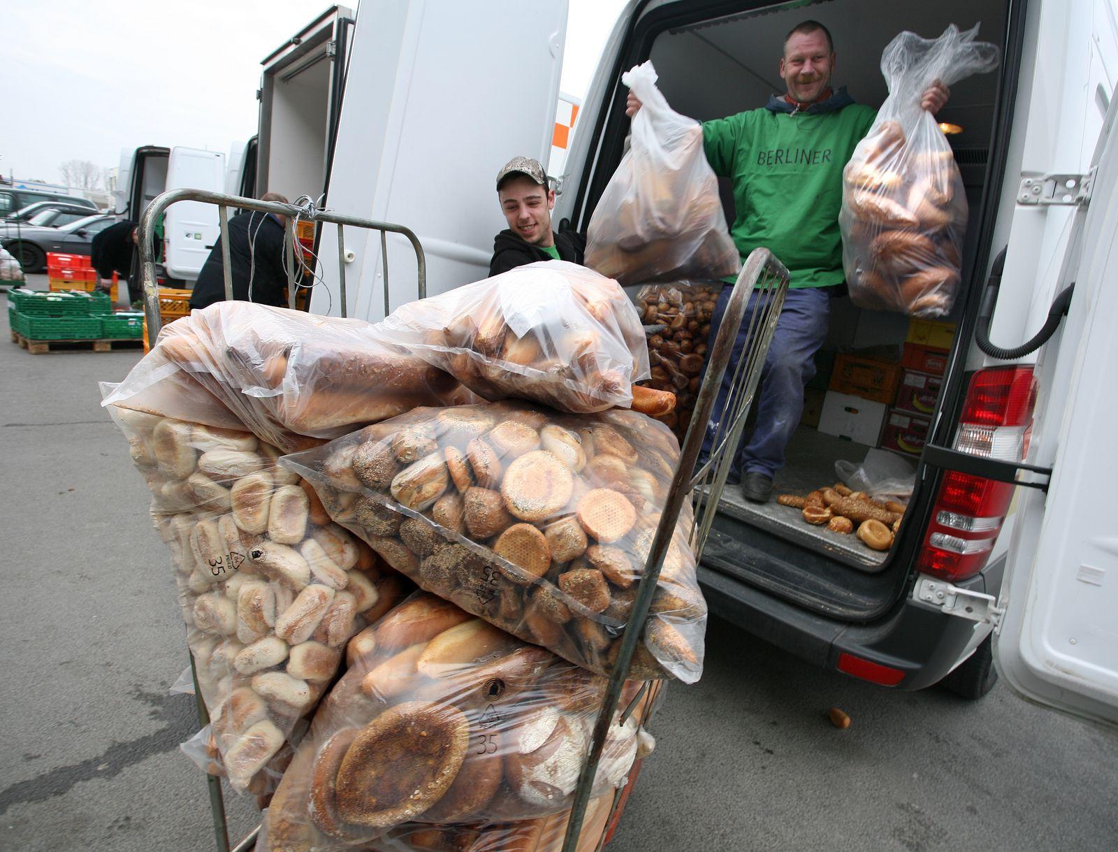 Arbeit bei der Berliner Tafel / Lebensmittel / Armut