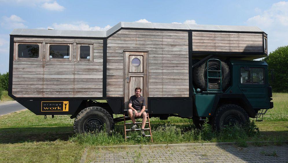 Expeditionsfahrzeuge von Orangework: Wühlhaus