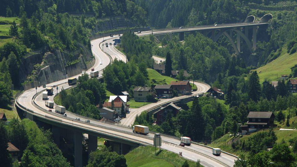 Autobahnen in der Schweiz: Rasen ist hier ein teures Vergnügen