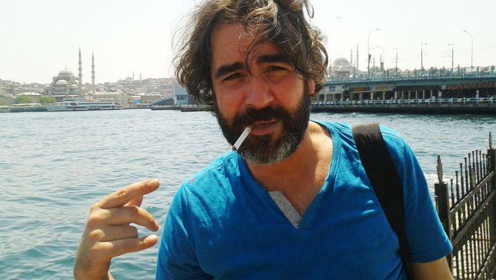 Ein Jahr Deniz Yücel in Haft: Wir sind nicht zum Spaß hier