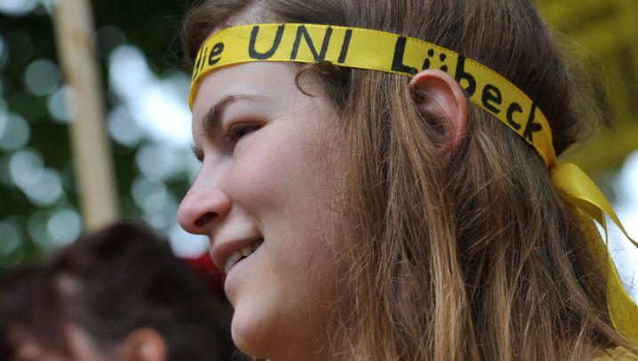 Uni Lübeck: Wie Schavan die Uni-Rettung herbeitrickste