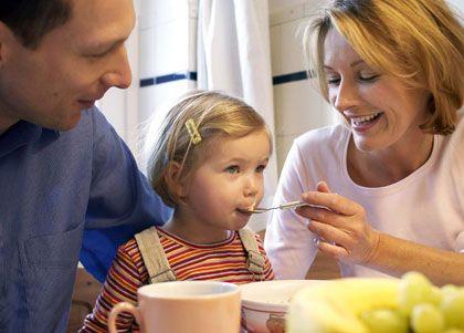 Familie pur: Ob Eltern sich zwei oder 36 Monate um ihren Nachwuchs kümmern, hat keinen Einfluss auf den späteren Erfolg der Kinder