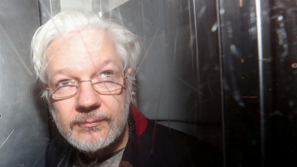 Julian Assange bei einem Gerichtsprozess in London 2020