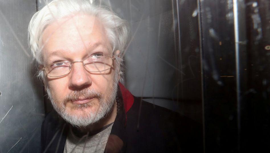 Julian Assange in einem Londoner Gericht