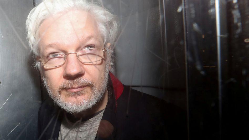 Julian Assange (nach einer Gerichtsverhandlung in London im Januar 2020)
