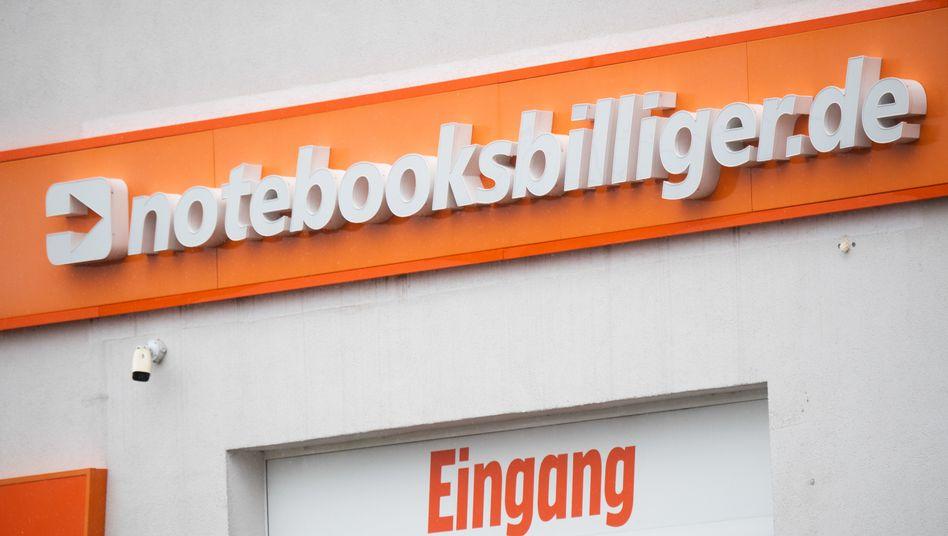 Arbeitsplätze und Aufenthaltsbereiche des Personals gefilmt: Elektronikhändler Notebooksbilliger.de