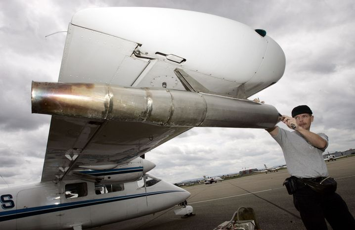 Hagelflieger am Flughafen Stuttgart (im Juli 2007): Wirksamkeit höchst umstritten