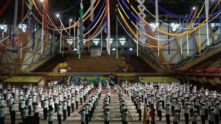 Internationaler Yogatag: Sonnengrüße von Indien bis Griechenland