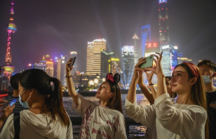 Tourists in Shanghai: With China isolating itself from the outside world, nationalist sentiment has increased.