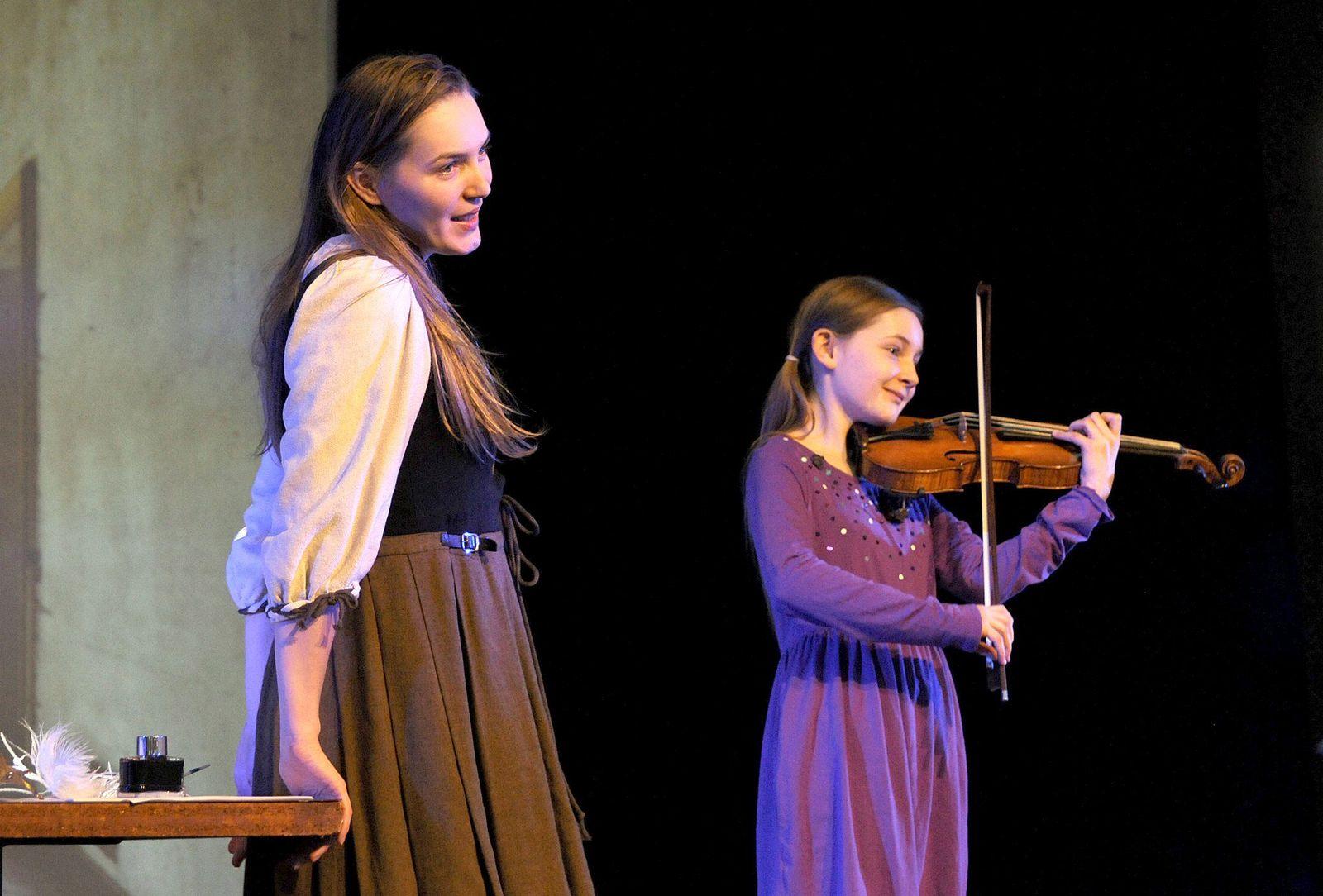 "Alma Deutschers Oper ""Cinderella"" feiert Premiere"