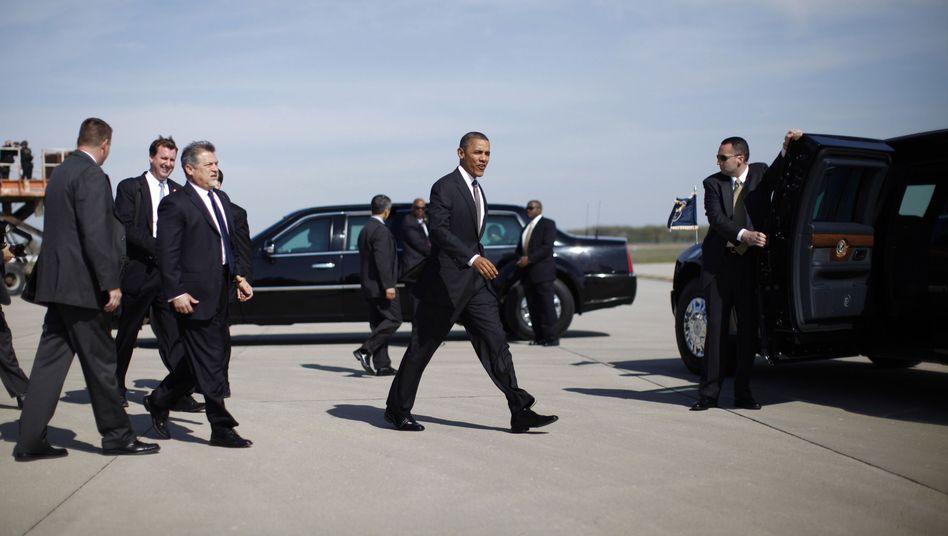 """Obama mit Leibwächtern: """"Bringt euch nicht in Verlegenheit!"""""""