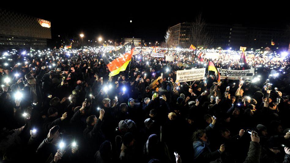Pegida-Demo in Dresden: Nicht gut für die Außendarstellung