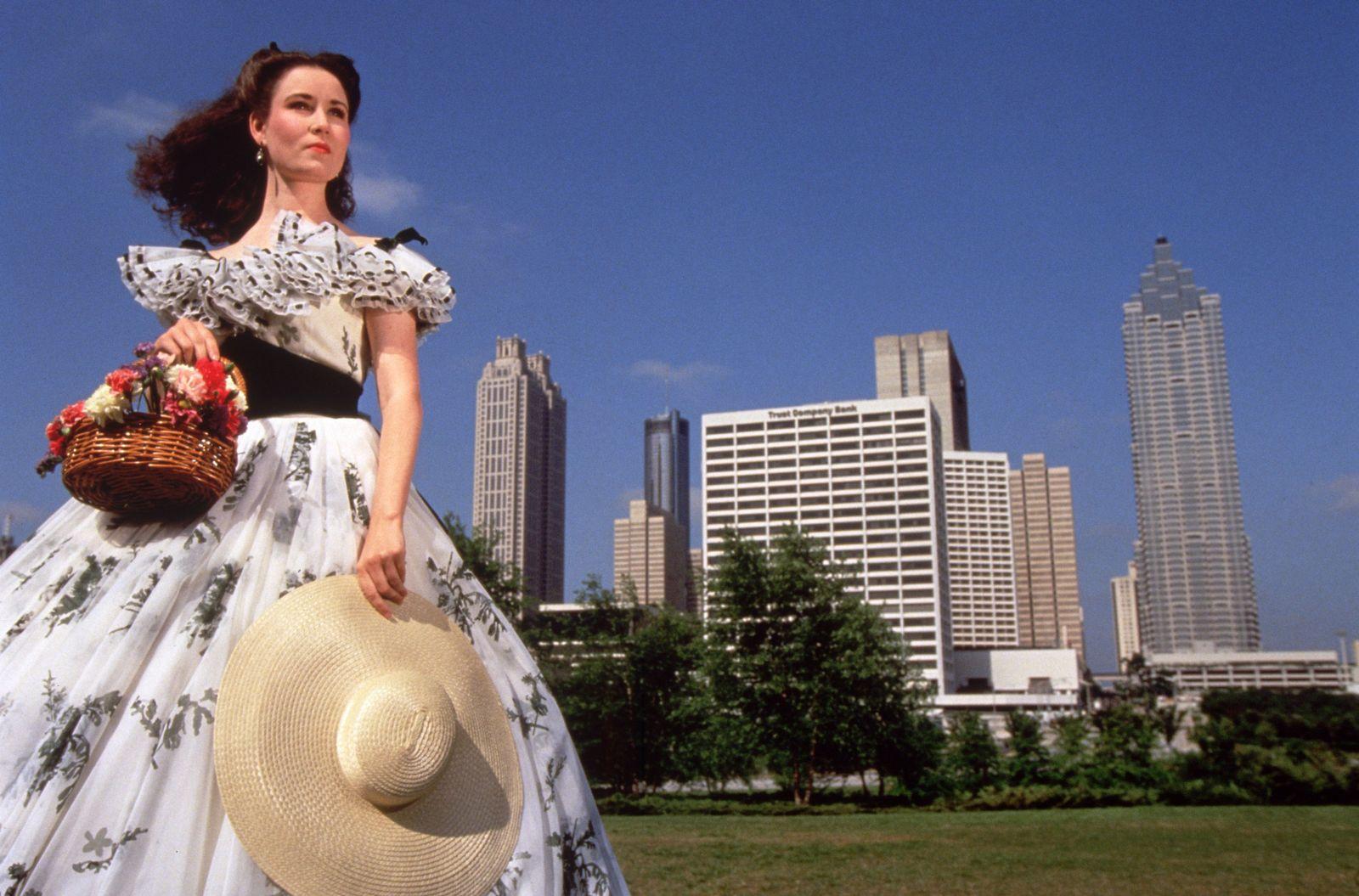 NICHT MEHR VERWENDEN! - Scarlett OHara / Atlanta-Skyline