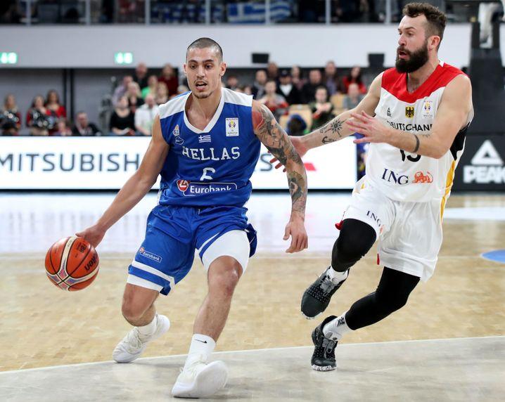 Bastian Doreth (r.) in der Qualifikation gegen Griechenland