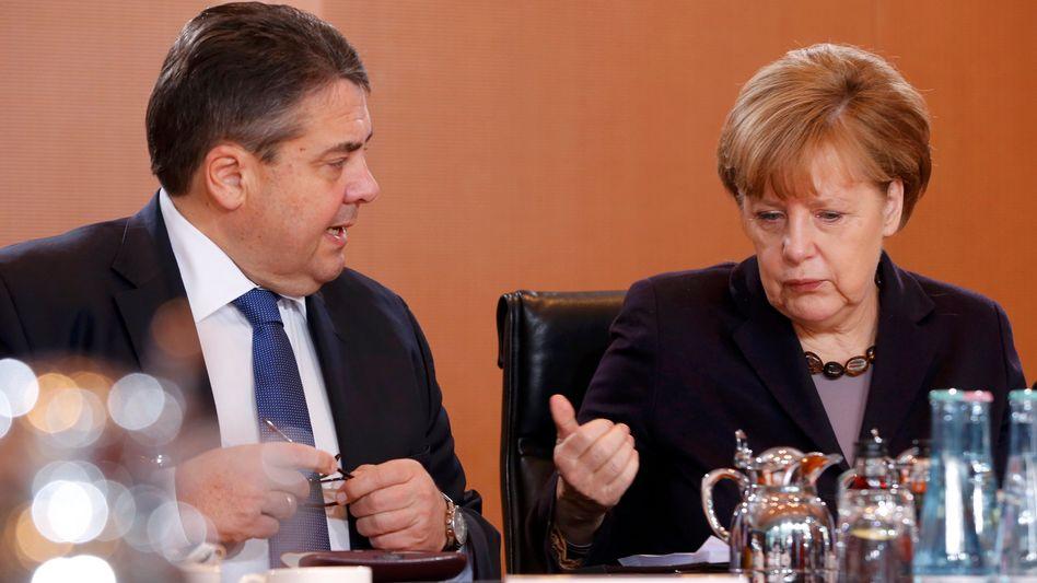 Umweltpolitiker Gabriel, Merkel: Drohende CO2-Lücke