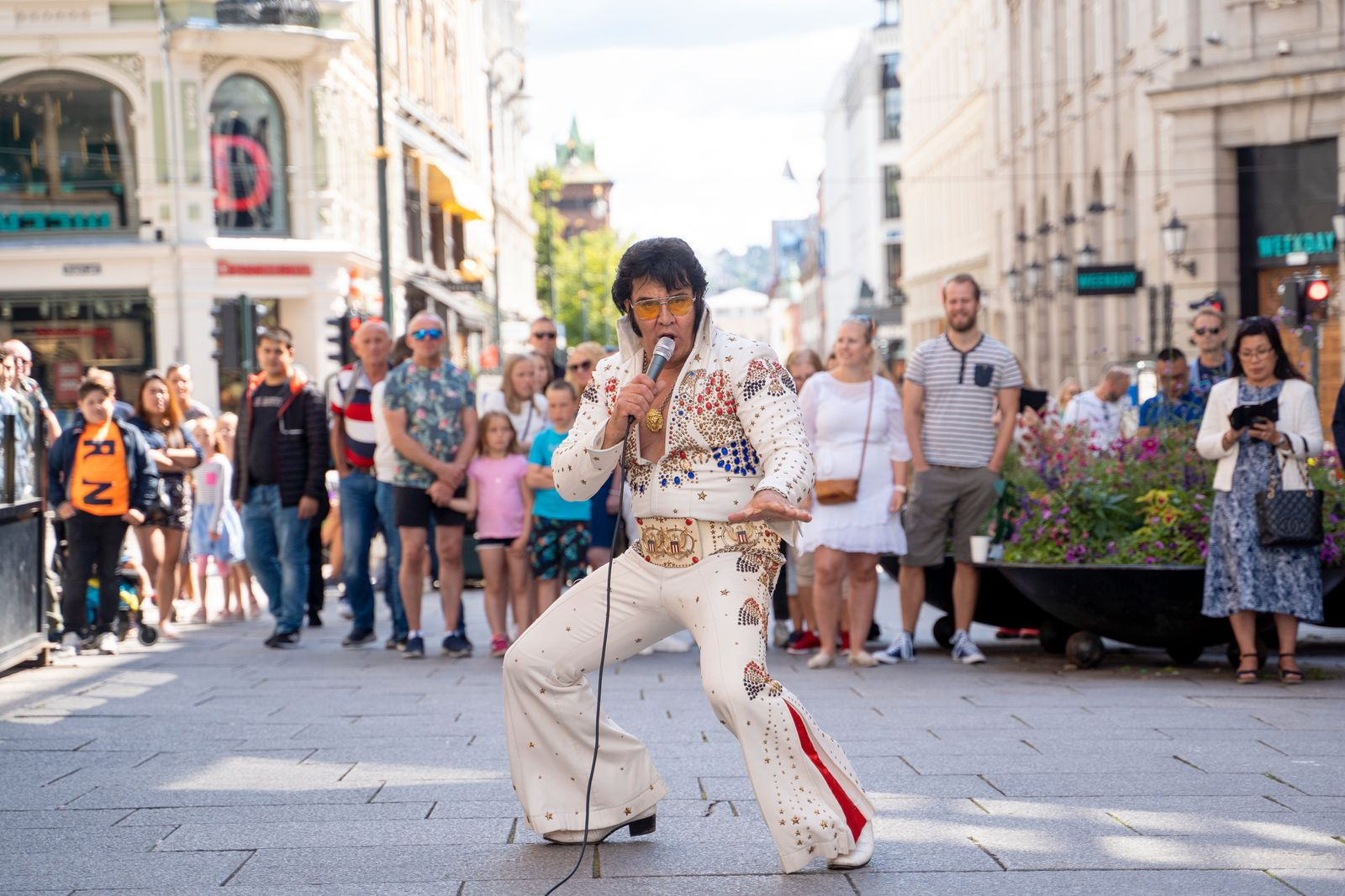NORWAY-ENTERTAINMENT-MUSIC-ELVIS-RECORD-ATTEMPT
