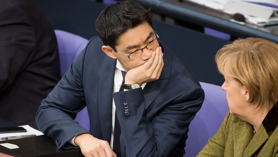 Kanzlerin Merkel, Vize Rösler: Abgrenzung im Wahlkampf
