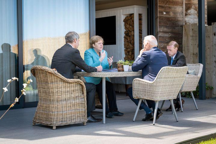 Die Premiere fand schon statt: Merkel und Biden beim G7-Gipfel in Cornwall