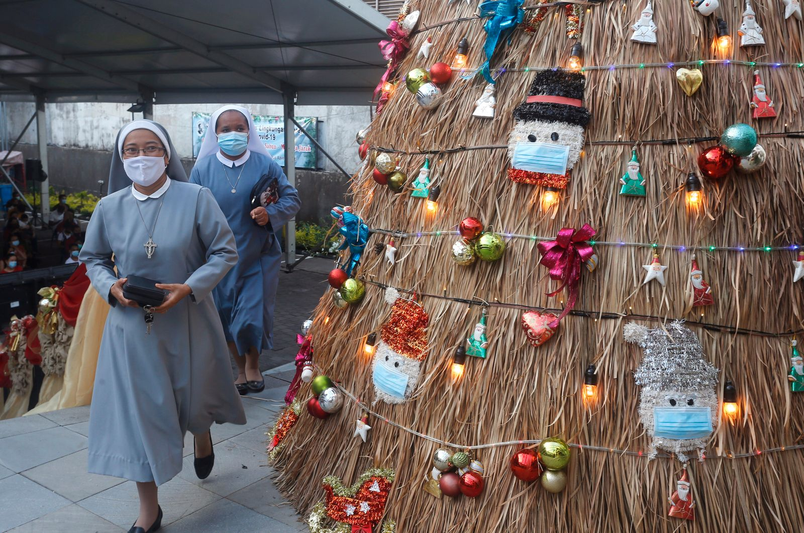 Virus Outbreak Indonesia Christmas