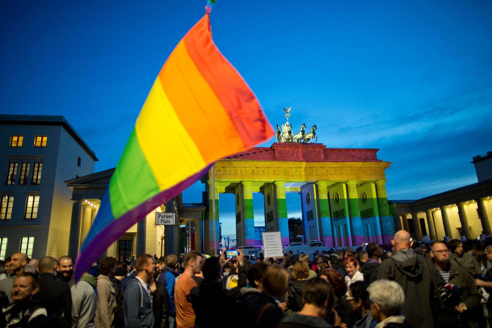 "Mahnwache ""Berlin for Orlando"""