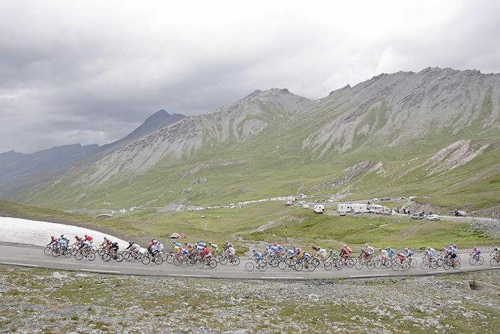 Col d'Agnel: Im vergangenen Jahr rollte die Tour de France in Richtung Italien über den Col d'Agnel