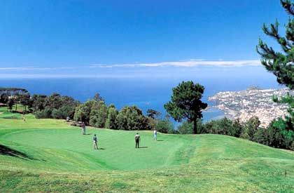 Sieht das menschliche Auge hier noch einen Golfplatz oder nur noch einen Golf-Platz?