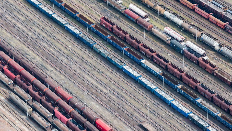 """Güterbahnhof nahe Eisenhüttenstadt: """"Zeit, Nerven, Arbeit und Geld"""""""