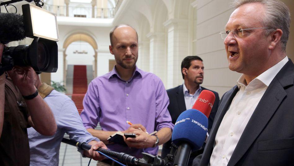 """Berlins Innensenator Frank Henkel (CDU): """"Das gebe ich zu"""""""