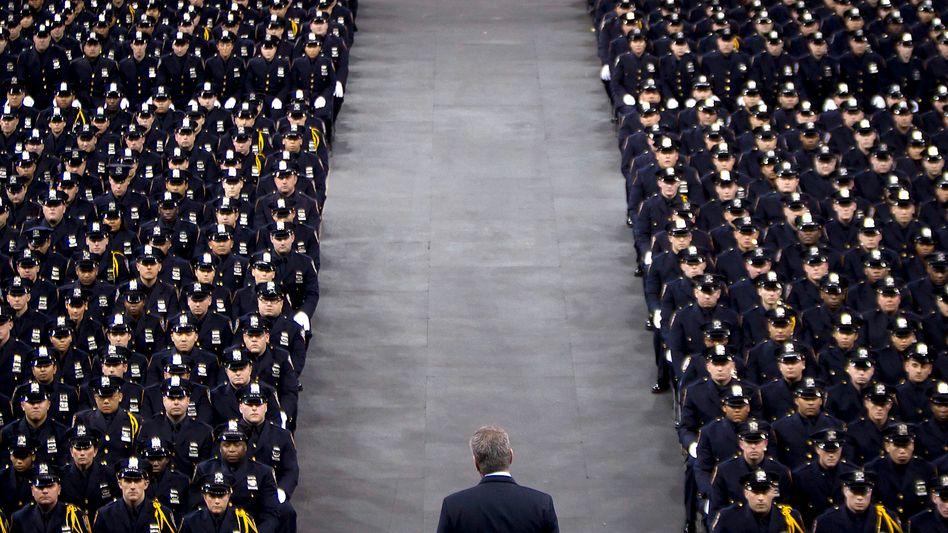 Tiefe Spaltung: New Yorks Bürgermeister Bill de Blasio vor NYPD-Rekruten