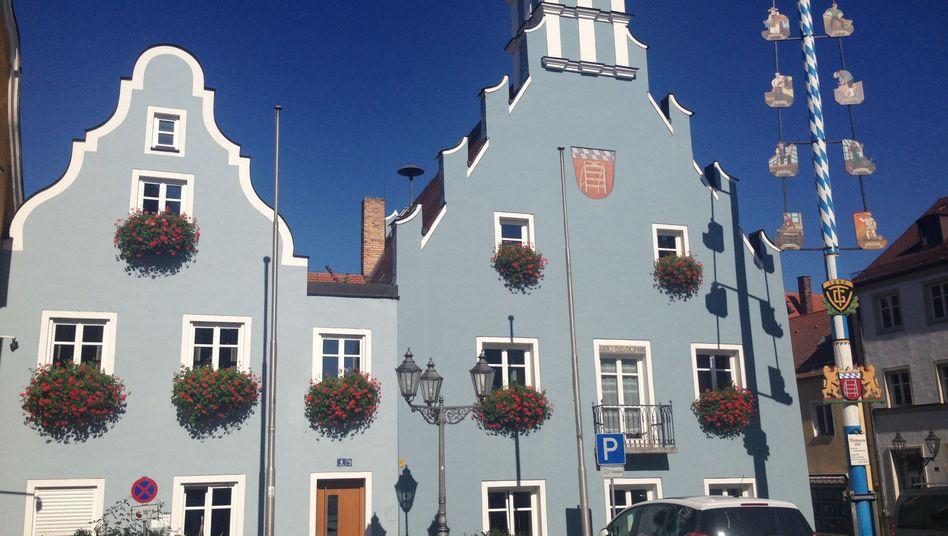 Rathaus in Geiselhöring: Monatelange Ermittlungen im Ort