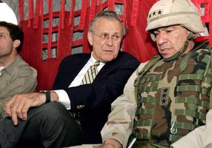 US-Verteidigungsminister Donald Rumsfeld, Ricardo Sanchez: Schwere Vorwürfe gegen den Top-General